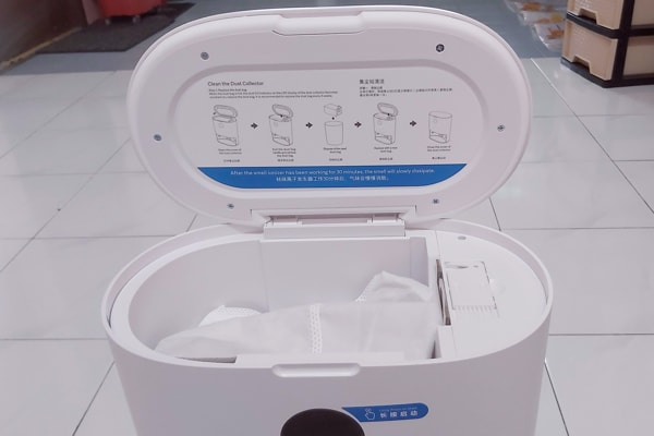 Dust Bag In Dust Collector Station Of The Roidmi EVE Plus Robot Vacuum Cleaner