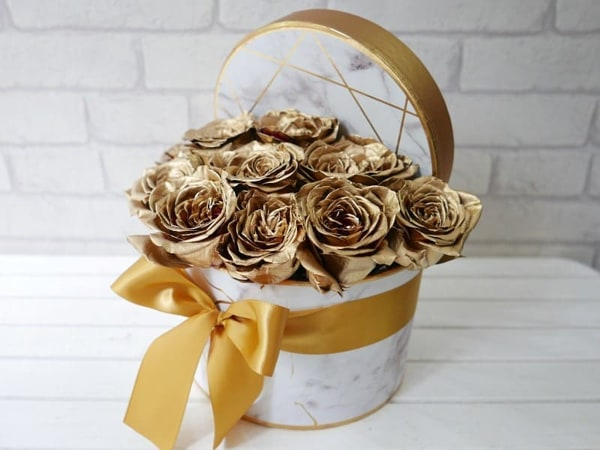 Gold Sprayed Roses by PURE SEED