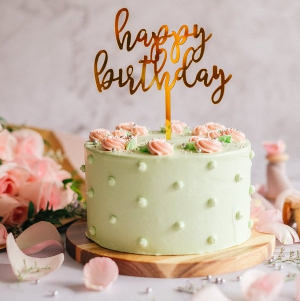 Pistachio Rose Cake by Bisou
